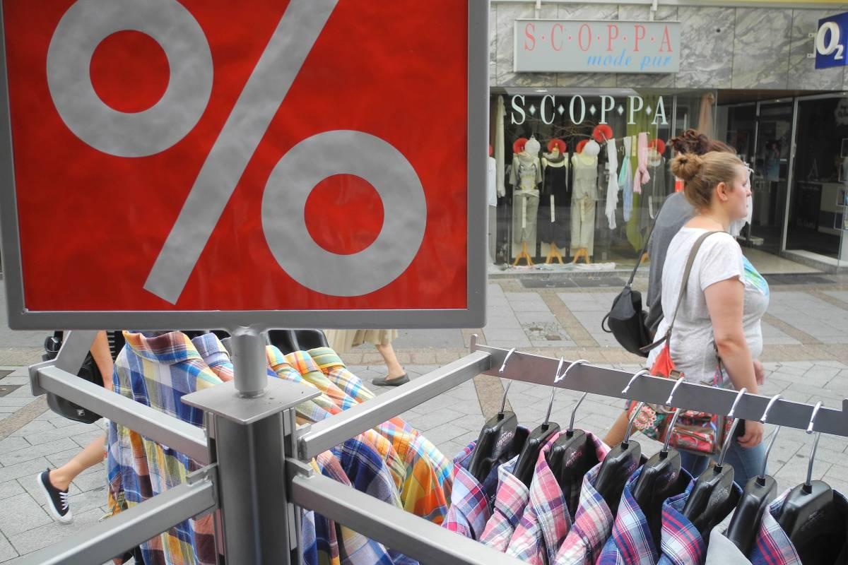 eine große Auswahl an Modellen Beamten wählen Herbst Schuhe Outlet: Wo Schnäppchenjäger in Südwestfalen glücklich werden