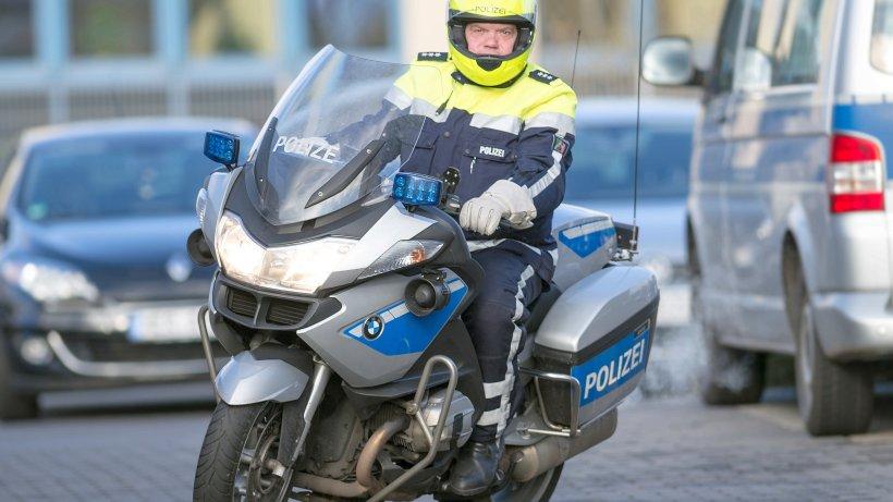 16 j hriger flieht auf motorroller mit sozia vor polizei. Black Bedroom Furniture Sets. Home Design Ideas
