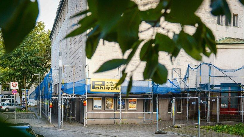 fassade des stadttheaters in duisburg wird saniert duisburg. Black Bedroom Furniture Sets. Home Design Ideas
