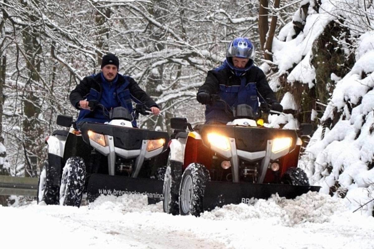Top Hagener räumt mit seinem Quad den Schnee aus dem Weg | wp.de | Hagen #ND_11
