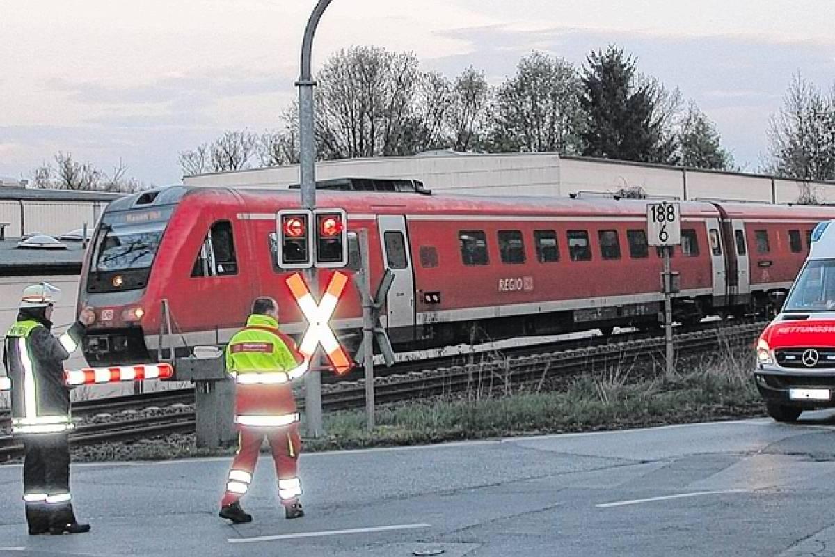 Mann Warf Sich Vor Zug Bahnverkehr Unterbrochen Wpde Neheim Hüsten