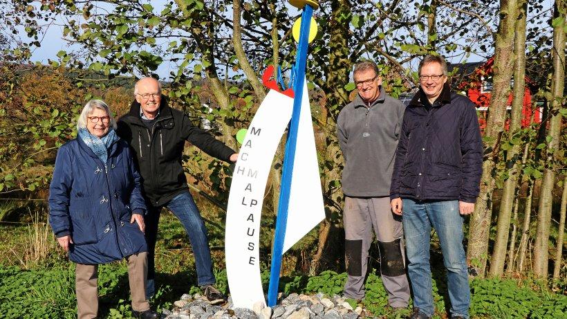 Initiative Oeventrop verschönert Ort mit Skulptur und Blumen - WP News