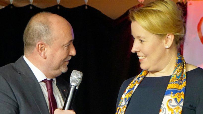 AWo Ehrenamtsgala in Schwelm mit Bundesministerin Giffey - Westfalenpost