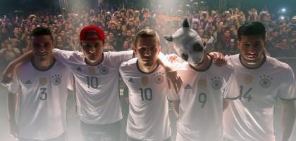 Adidas und Nike kämpfen um das deutsche Weltmeister Trikot