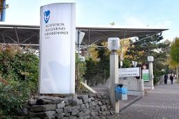 Hagen: Bewaffneter an Klinik-Pforte ruft Polizei auf Plan
