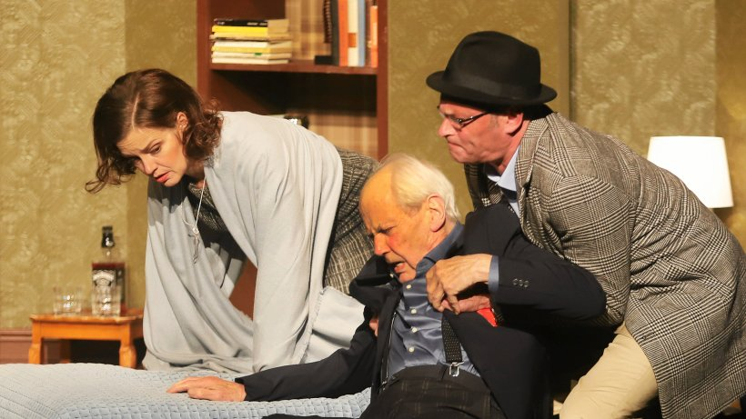 Großes Theater in Lennestadt - Publikum ist begeistert - Westfalenpost