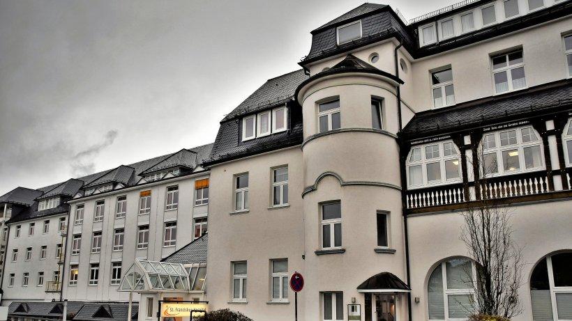 RTW liefert pro Jahr 2100 Notfälle in Winterberg an - Westfalenpost