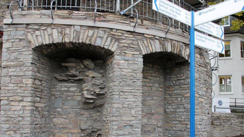 Schweißtreibende Arbeit am Bieketurm in Attendorn - WP News