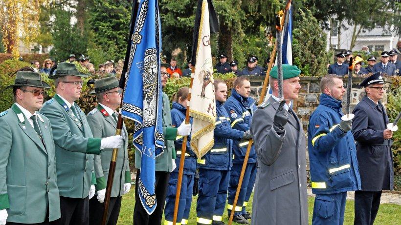 Auf Eichholzfriedhof wird an Opfer der Kriege erinnert - WP News