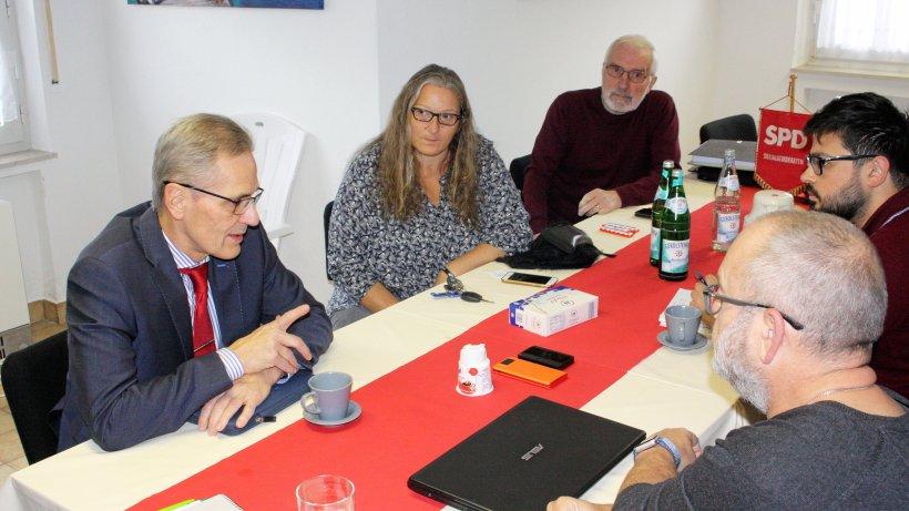 SPD-Landratskandidat Volker Schmidt setzt in Balve Themen - Westfalenpost