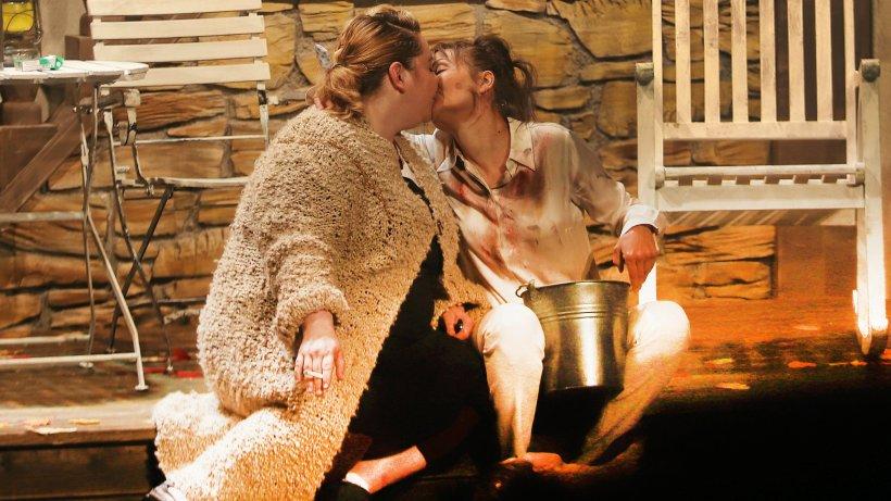 """Theater Lennestadt: """"Falsche Schlange"""" ist tolles Schauspiel - WP News"""