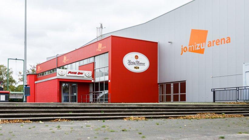 Eissport-Eissporthalle-Duisburg-taut-ab