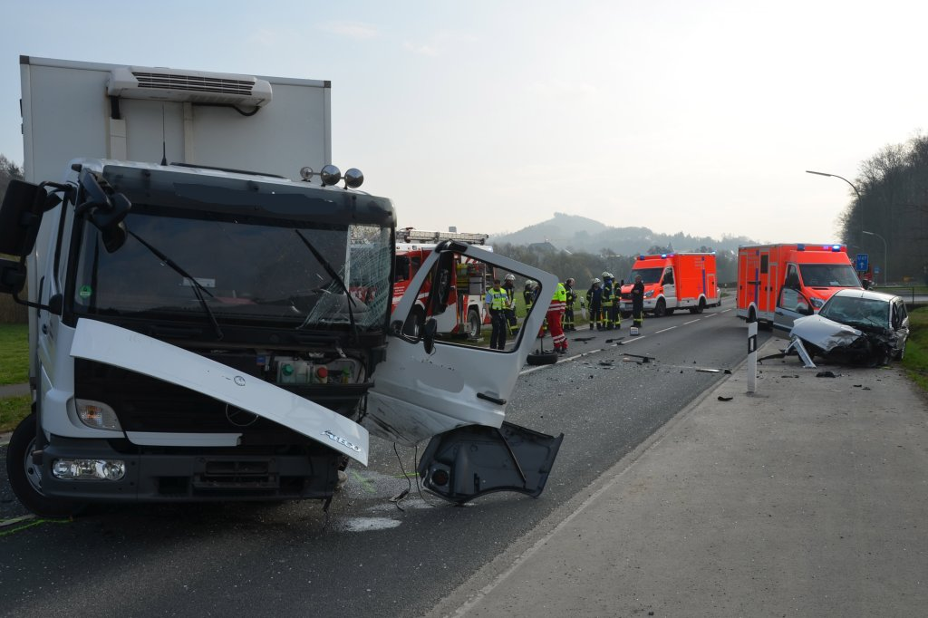 Arnsberger Straße nach schwerem Unfall wieder frei | wp.de ...