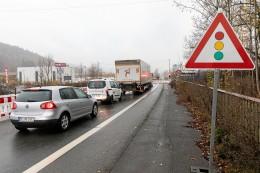 B 508: Zwischen Kreuztal und Hilchenbach hängen Busse fest