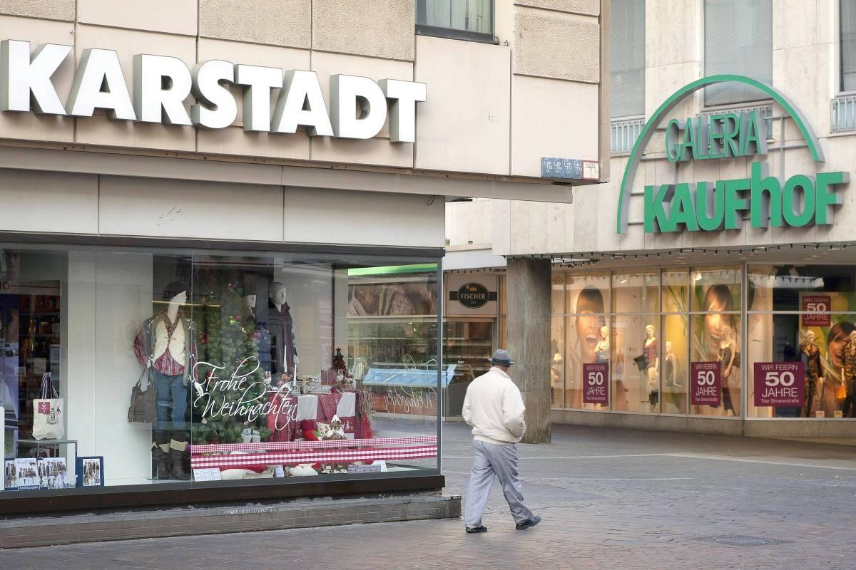 9a589fcf4e0f4d Die Erzrivalen Kaufhof und Karstadt besiegeln ihre Fusion