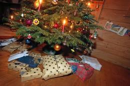 Chipkrise und Corona: Werden Geschenke zu Weihnachten knapp?