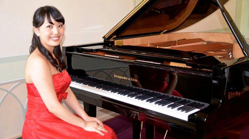 Preisgekrönte Pianistin beim Schlosskonzert in Bad Berleburg - Westfalenpost