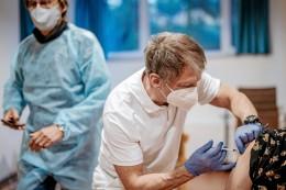 Mit Rest-Serum eigene Patienten in Wittgenstein versorgt