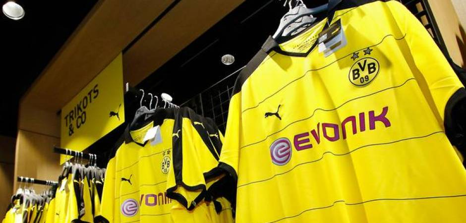 Das Kosten Die Trikots Von Bvb Schalke Bayern Co Wp De Sport